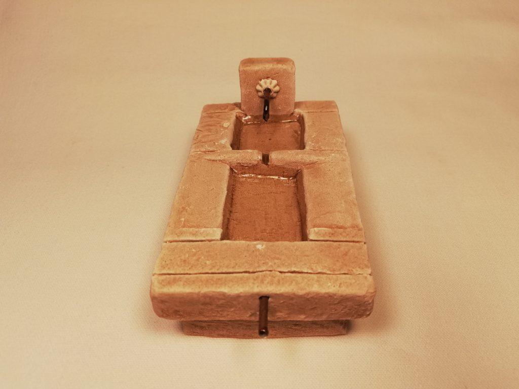 Lavoir Prix: 6,5 €  Dim: 10,5 x 6  x 5 cm  Poids approximatif: 235 g