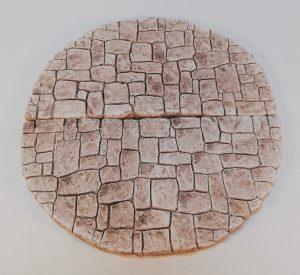 Place ronde constituée de 2 éléments-semi-circulaires PM